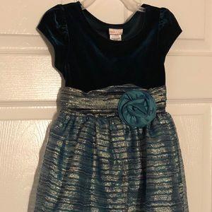 Girl's teal dress